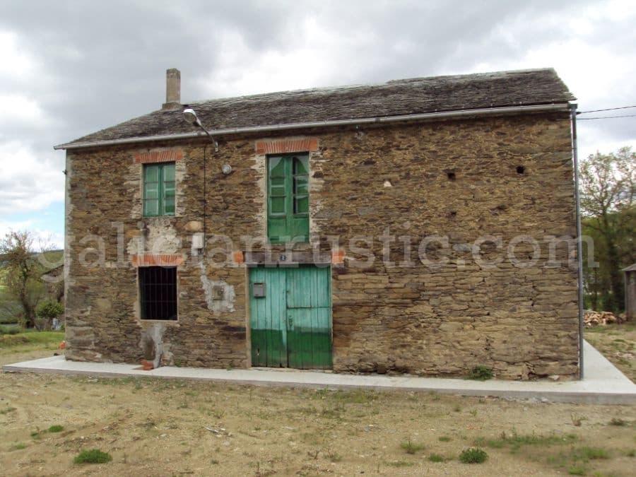 5 soveværelse Finca/Landehus til salg i Pol - € 37.000 (Ref: 5081580)