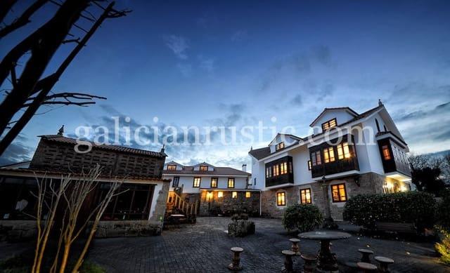 20 sovrum Kommersiell till salu i Carballo - 1 250 000 € (Ref: 5205622)