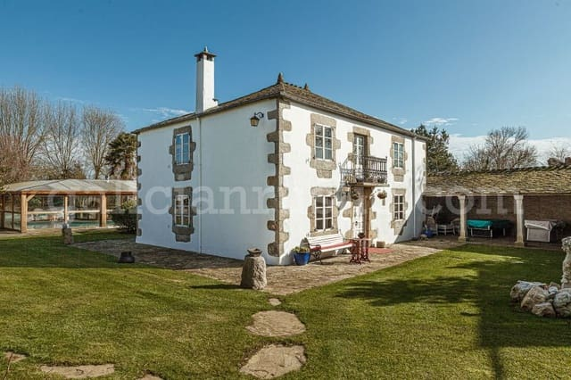 5 bedroom Finca/Country House for sale in Outeiro de Rei with pool - € 500,000 (Ref: 5394112)