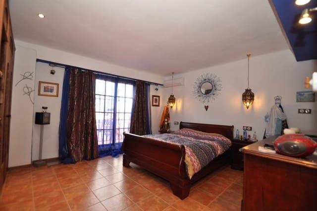 3 chambre Finca/Maison de Campagne à vendre à Pinoso avec garage - 499 995 € (Ref: 3605773)