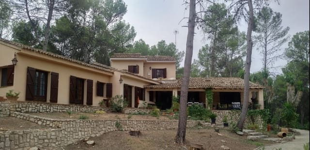 6 bedroom Villa for sale in Ontinyent with garage - € 375,000 (Ref: 5366580)
