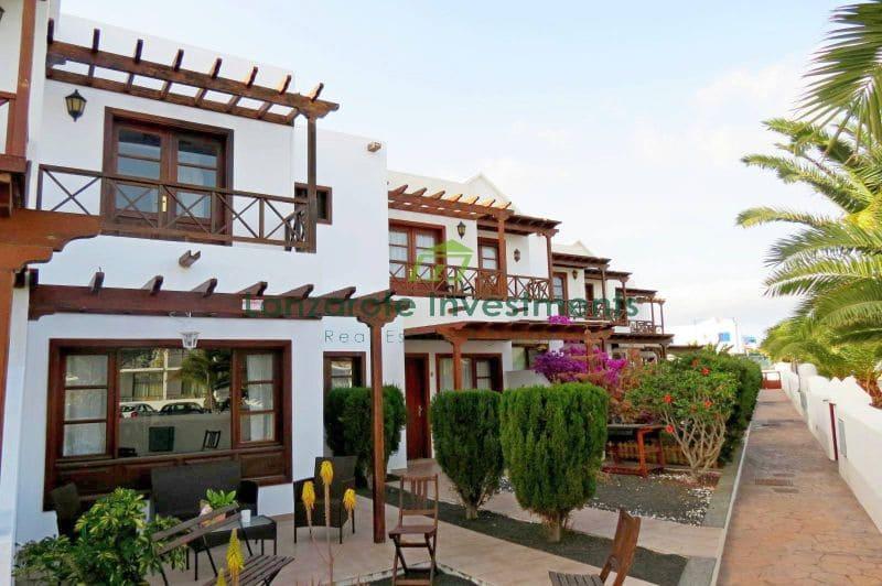 3 bedroom Terraced Villa for sale in Playa Blanca with pool - € 239,000 (Ref: 5064533)