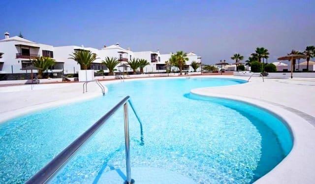 3 sovrum Villa till salu i Costa Teguise med pool - 285 000 € (Ref: 5242117)