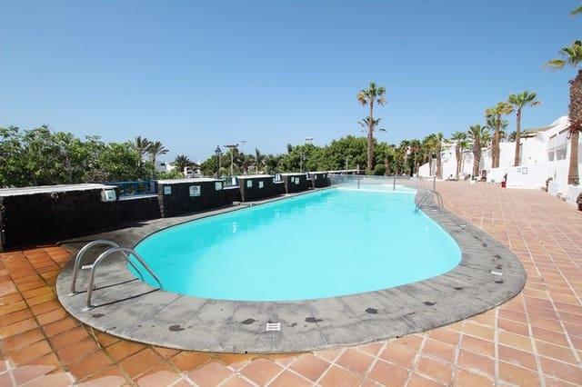 2 sovrum Radhus till salu i Puerto del Carmen med pool - 255 000 € (Ref: 5547052)