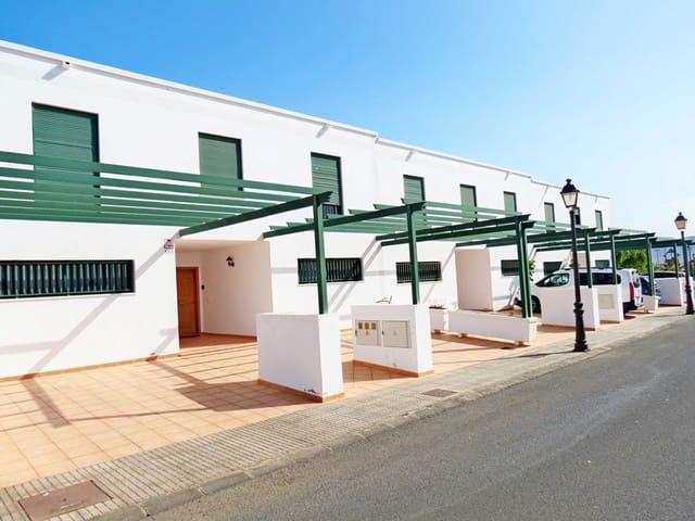 3 slaapkamer Rijtjeshuis te koop in Playa Blanca - € 190.000 (Ref: 5632978)