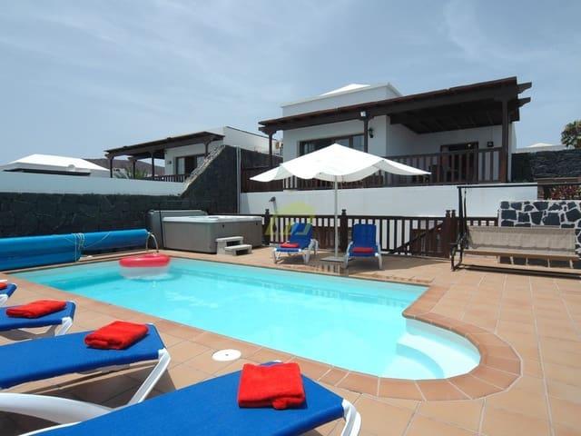5 bedroom Semi-detached Villa for sale in Playa Blanca - € 425,000 (Ref: 6309728)