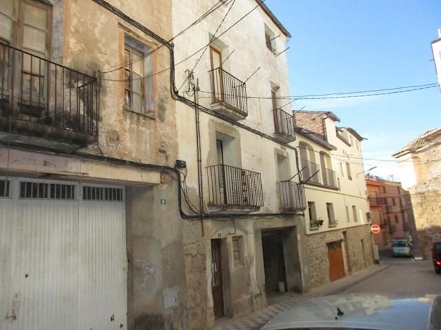 12 sypialnia Dom na sprzedaż w Riba-roja d'Ebre z garażem - 95 000 € (Ref: 3244417)