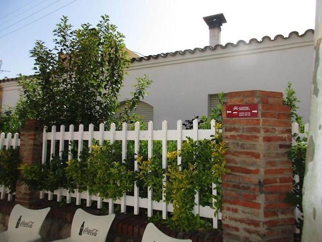 3 Zimmer Bungalow zu verkaufen in Flix mit Garage - 95.000 € (Ref: 3938655)