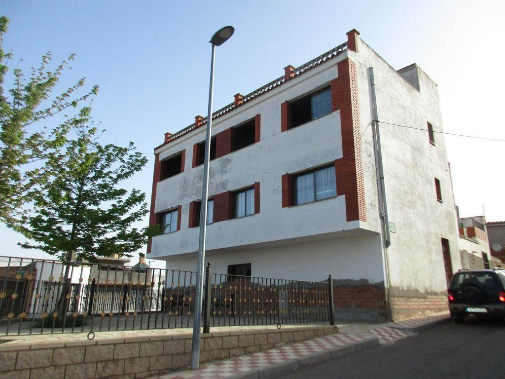 5 sypialnia Dom na sprzedaż w Riba-roja d'Ebre z garażem - 260 000 € (Ref: 3953771)