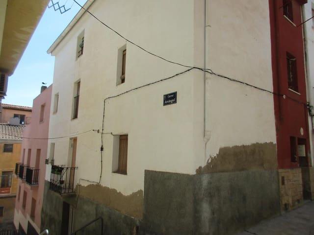 Casa de 4 habitaciones en Flix en venta - 69.000 € (Ref: 4097003)