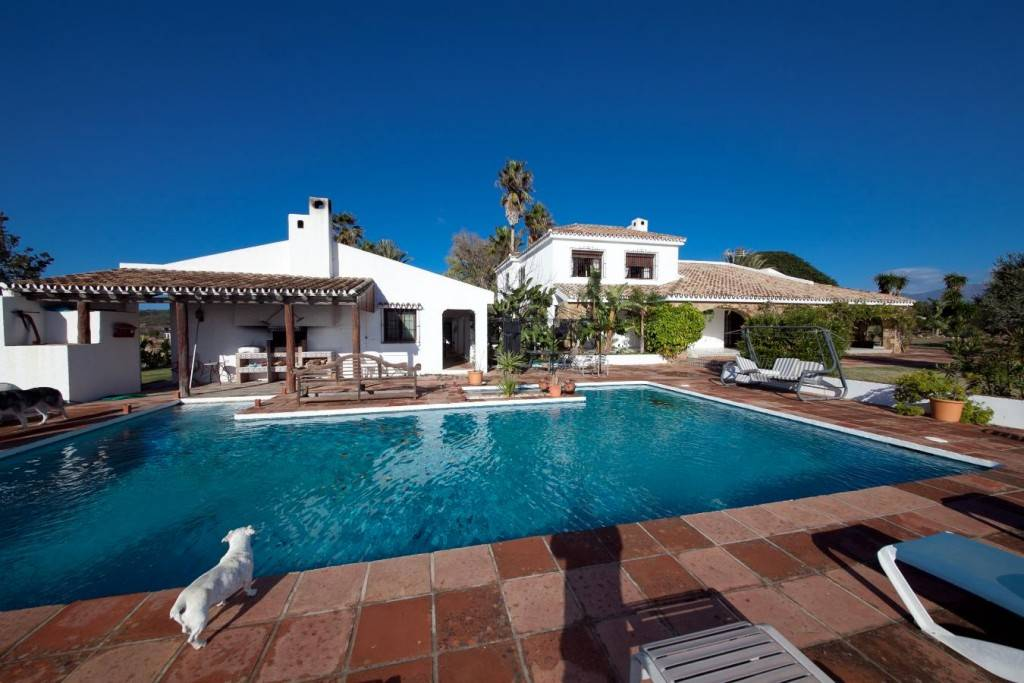 7 bedroom Finca/Country House for sale in Manilva with pool - € 2,000,000 (Ref: 2341452)