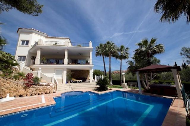 5 chambre Villa/Maison à vendre à Las Chapas avec piscine - 2 130 000 € (Ref: 3466786)