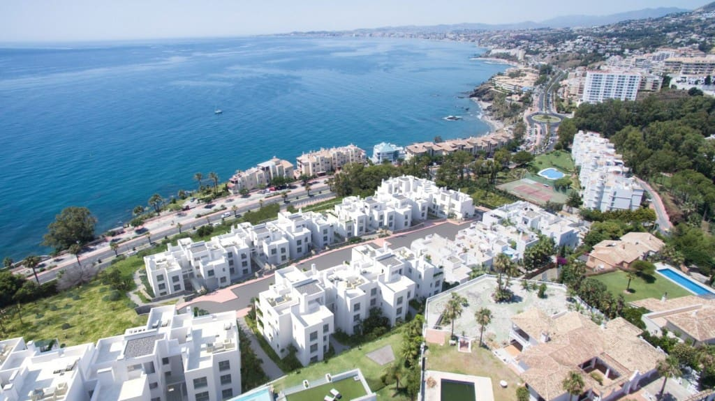2 bedroom Apartment for sale in Benalmadena with pool garage - € 318,000 (Ref: 4170713)