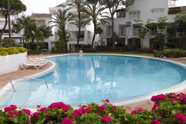 2 Zimmer Ferienapartment in Elviria mit Pool - 1.200 € (Ref: 4282811)
