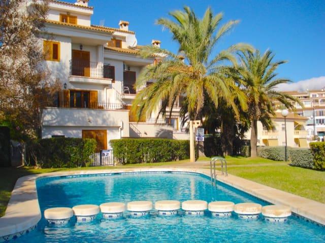 3 Zimmer Ferienreihenhaus in Altea mit Pool - 525 € (Ref: 707564)
