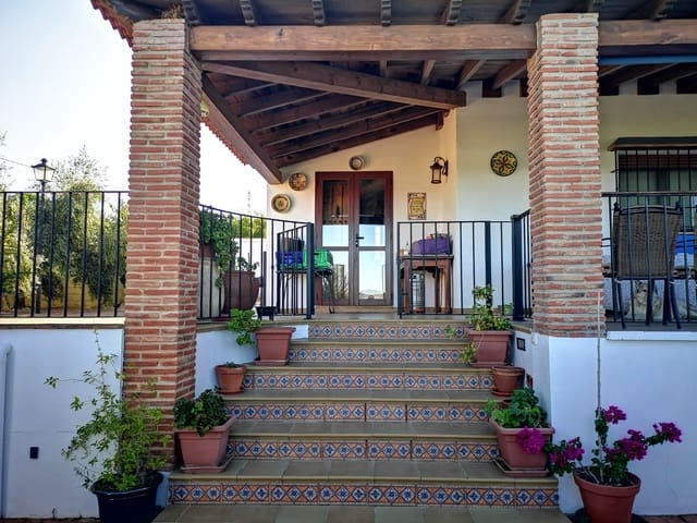 6 quarto Quinta/Casa Rural para venda em Ronda com piscina garagem - 310 000 € (Ref: 5728217)