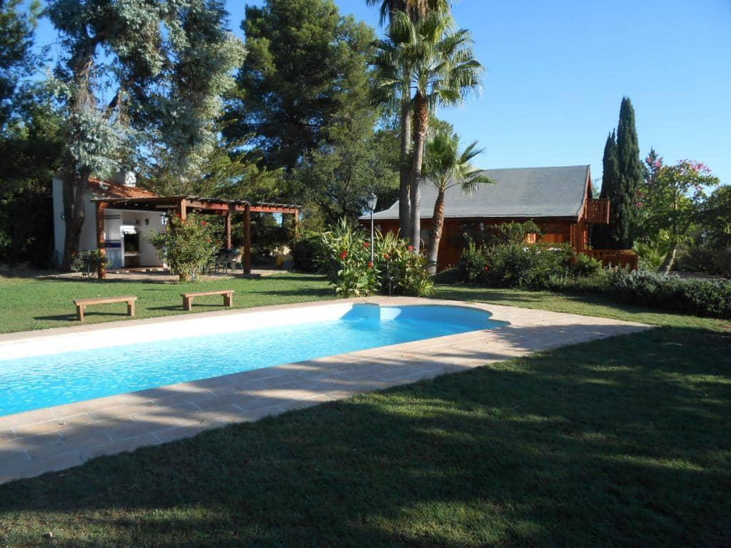 Casa de Madera de 4 habitaciones en Alborache en venta con piscina - 160.000 € (Ref: 4913177)