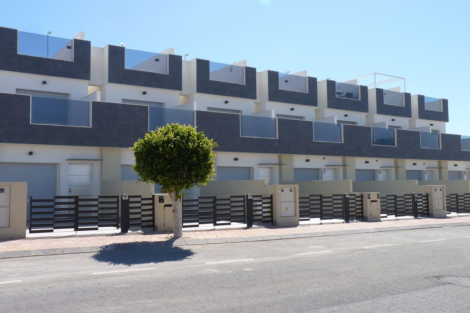 Casa de 3 habitaciones en Pilar de la Horadada en venta con piscina - 230.000 € (Ref: 4396887)