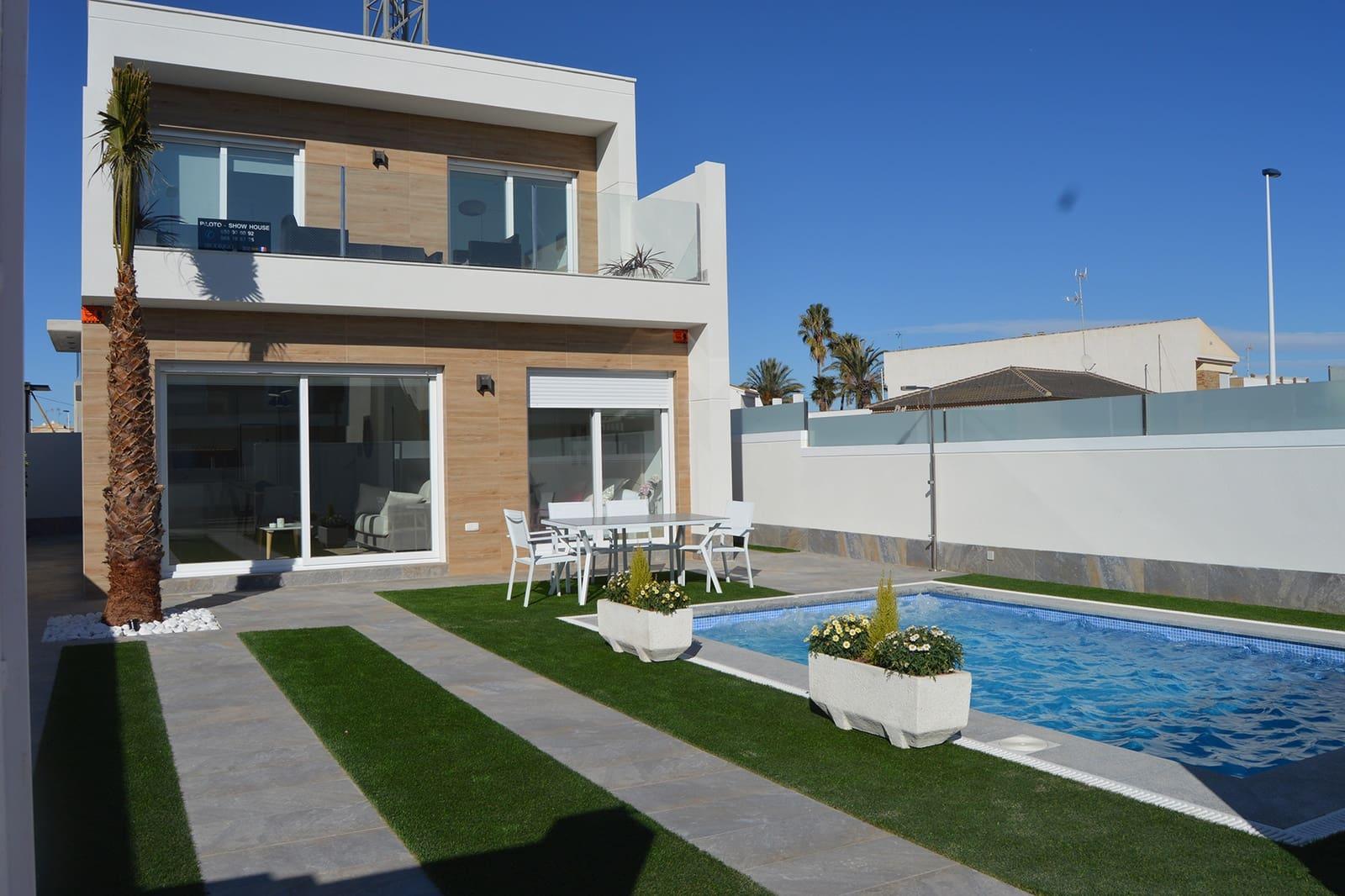 Chalet de 3 habitaciones en Pilar de la Horadada en venta con piscina - 289.000 € (Ref: 4652557)