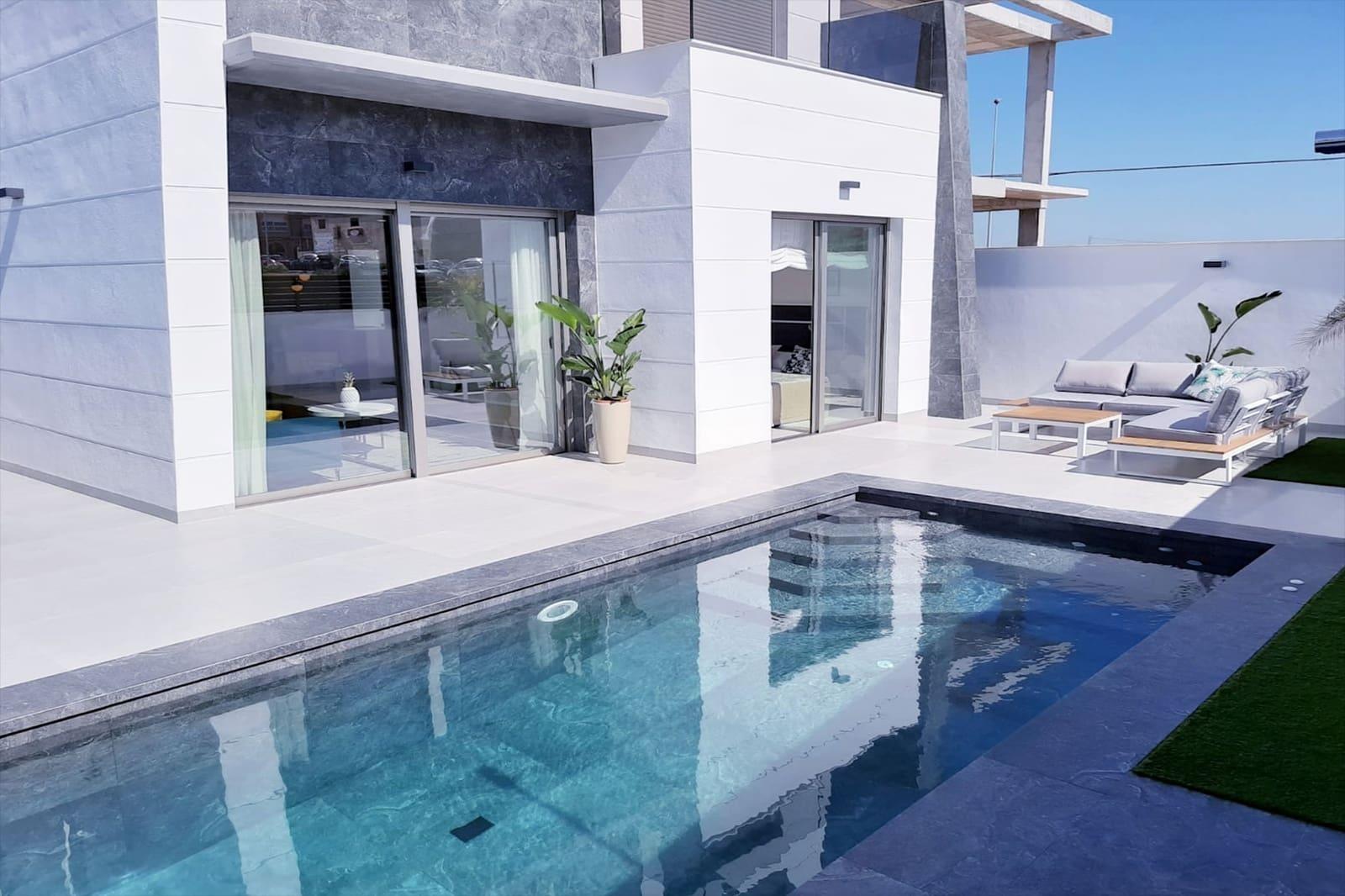 Chalet de 3 habitaciones en Benijófar en venta con piscina - 279.000 € (Ref: 4824420)
