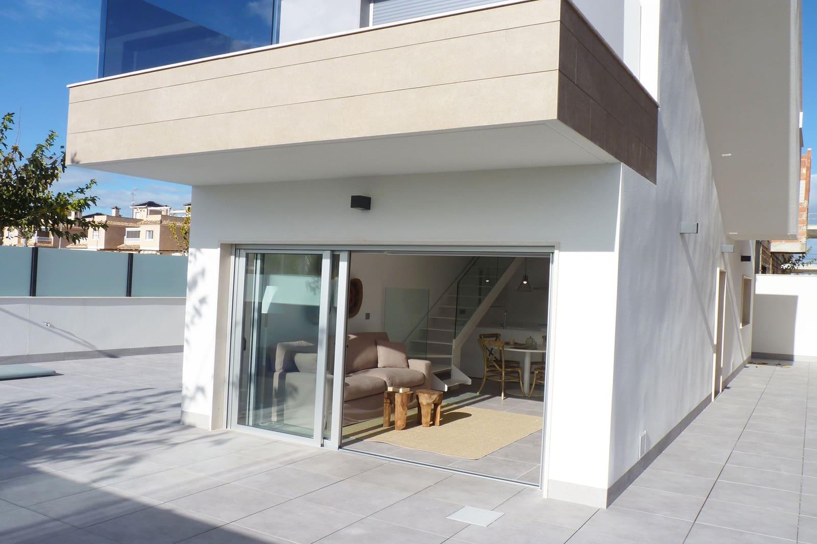 Chalet de 3 habitaciones en Pilar de la Horadada en venta con piscina - 385.000 € (Ref: 4960362)