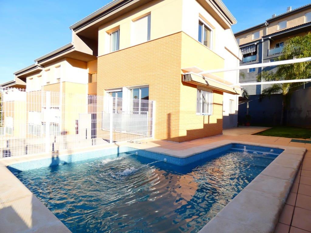 Casa de 3 habitaciones en Alzira en venta con piscina - 206.000 € (Ref: 5016310)