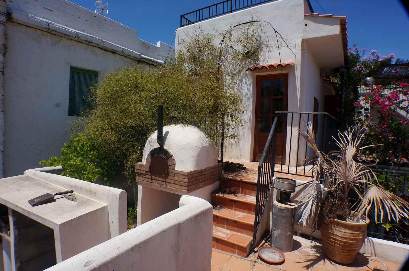 6 slaapkamer Gastenverblijf/B&B te koop in Guajar Fondon - € 160.000 (Ref: 4000869)