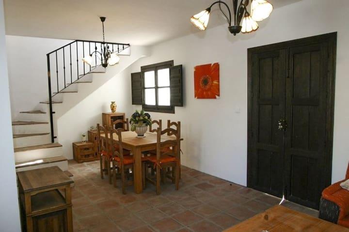 2 bedroom Townhouse for sale in Benamargosa - € 110,000 (Ref: 4368612)