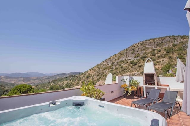 Pensión/Hostal de 6 habitaciones en Periana en venta - 299.500 € (Ref: 4717200)
