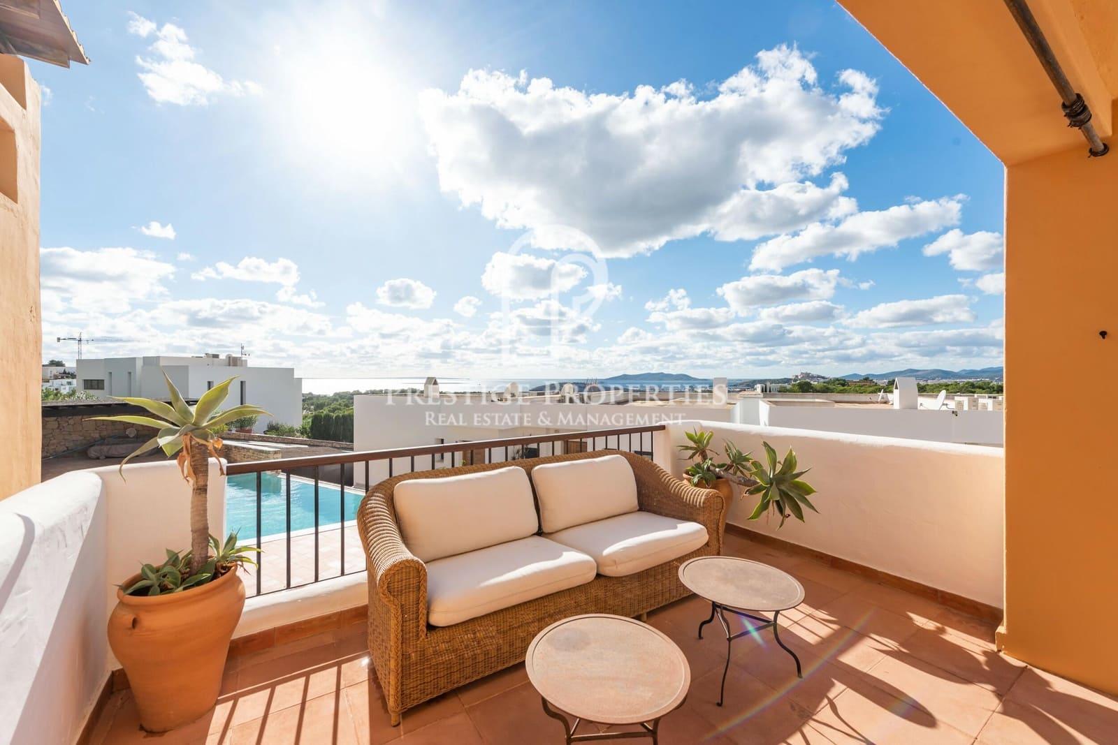 4 soveværelse Rækkehus til salg i Ibiza by med swimmingpool - € 1.100.000 (Ref: 5837970)