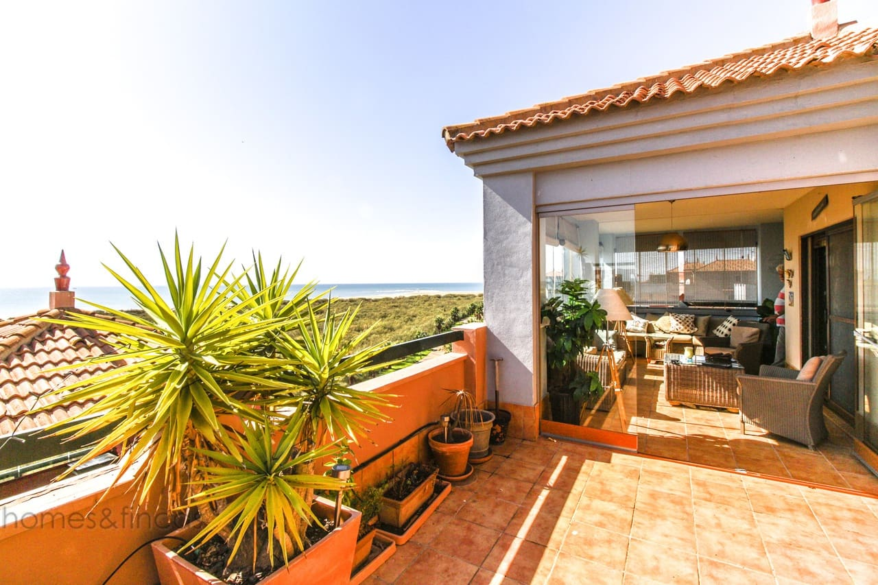 3 bedroom Penthouse for sale in Isla Canela - € 500,000 (Ref: 5017236)