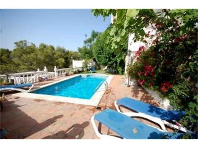 Chalet de 7 habitaciones en La Herradura en venta con piscina - 395.000 € (Ref: 1844375)