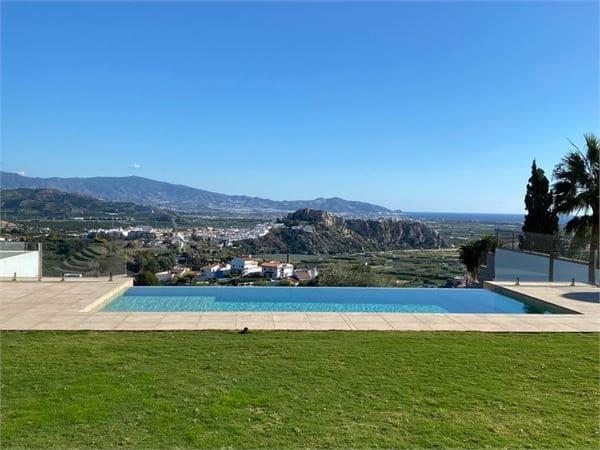 4 sovrum Villa till salu i Salobrena med pool - 925 000 € (Ref: 5718941)