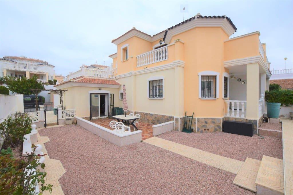 Casa de 4 habitaciones en Benijófar en venta con piscina - 165.000 € (Ref: 4338462)
