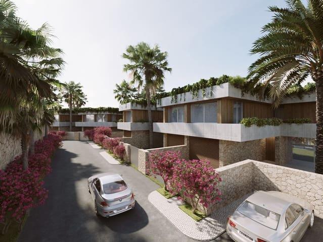 4 bedroom Semi-detached Villa for sale in Sol de Mallorca with pool garage - € 2,050,000 (Ref: 5561995)