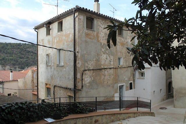 Casa de 4 habitaciones en Benifallet en venta con garaje - 94.500 € (Ref: 3814390)