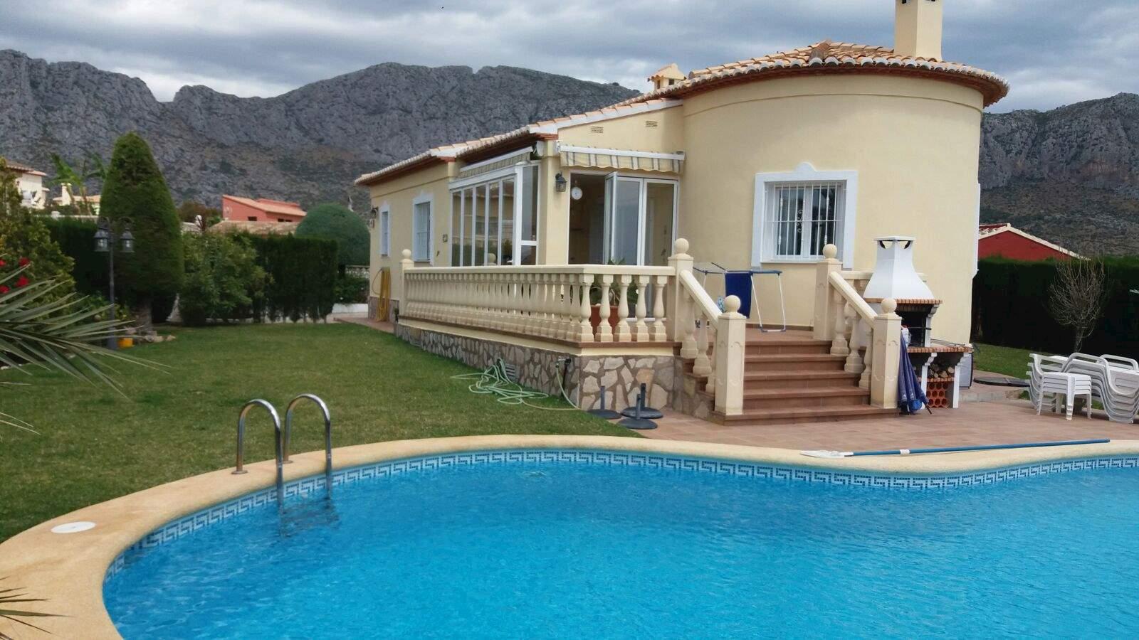 Chalet de 3 habitaciones en Beniarbeig en venta con piscina garaje - 350.000 € (Ref: 3961130)