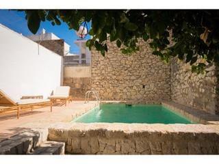 8 soverom Kommersiell til salgs i Gata de Gorgos med svømmebasseng - € 450 000 (Ref: 4578934)