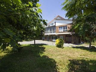 11 bedroom Villa for rent in Santander - € 2,000 (Ref: 6077176)
