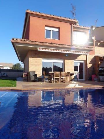 4 chambre Villa/Maison Semi-Mitoyenne à vendre à Llagostera avec piscine garage - 452 000 € (Ref: 4725353)