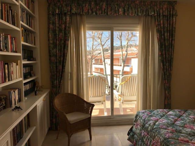 3 chambre Penthouse à vendre à S'Agaro avec piscine - 420 000 € (Ref: 4725389)