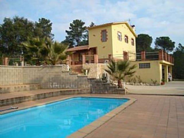 3 chambre Villa/Maison à vendre à Cassa de la Selva avec piscine - 441 000 € (Ref: 4725550)