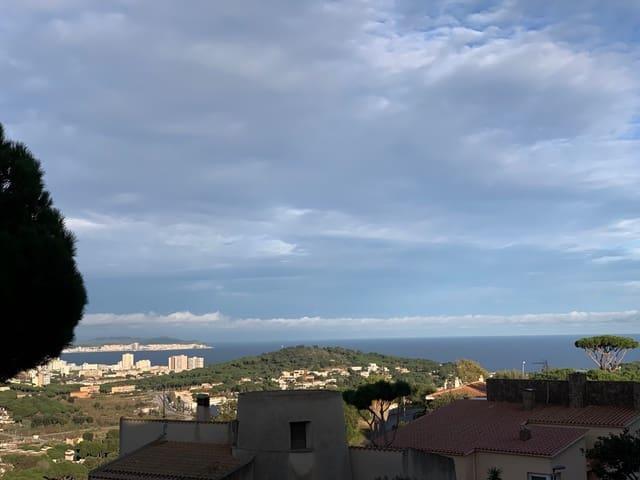4 quarto Apartamento para venda em Sant Feliu de Guixols com piscina - 239 000 € (Ref: 5427991)
