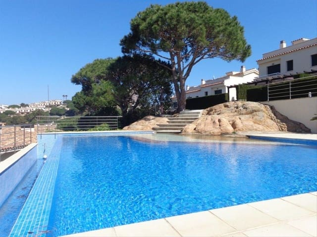 3 sovrum Radhus till salu i Sant Feliu de Guixols med pool garage - 465 000 € (Ref: 5466444)