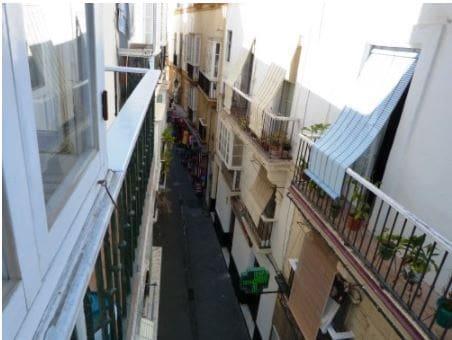 2 slaapkamer Appartement te huur in Cadiz stad - € 600 (Ref: 5540522)