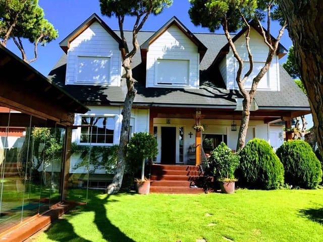 5 sovrum Villa till salu i La Barrosa med pool - 750 000 € (Ref: 3833838)