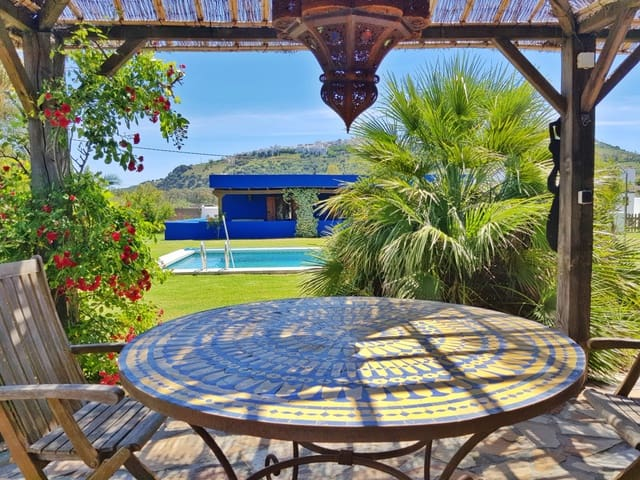 4 bedroom Villa for sale in Vejer de la Frontera with pool - € 449,950 (Ref: 4608357)