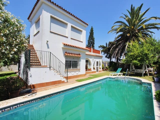 4 sovrum Villa till salu i Conil de la Frontera med pool - 450 000 € (Ref: 4805706)