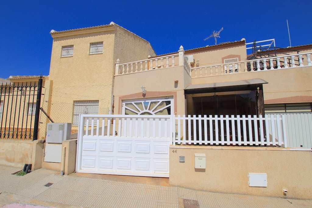Casa de 3 habitaciones en Benijófar en venta - 145.000 € (Ref: 3442488)