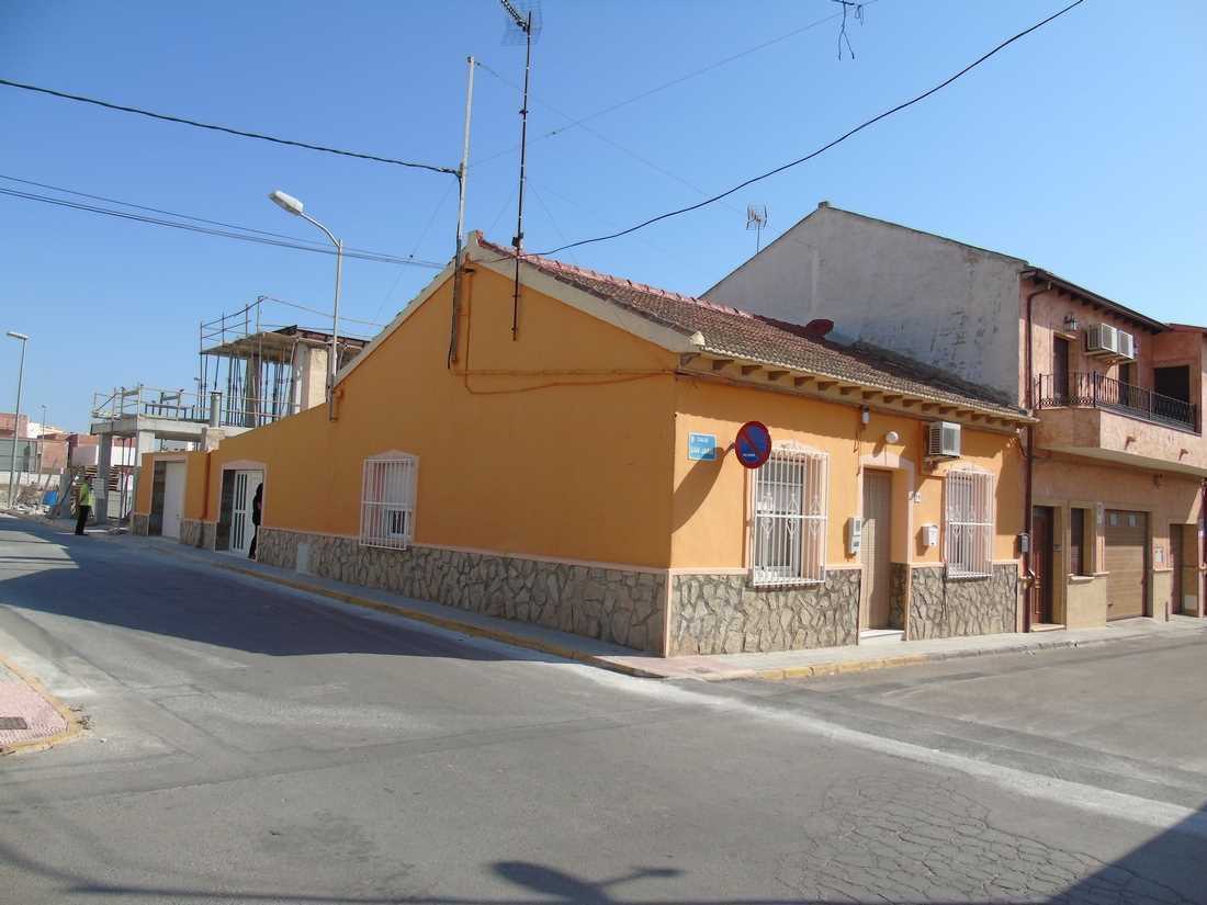 Casa de 4 habitaciones en Benijófar en venta - 155.100 € (Ref: 3490270)